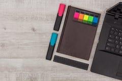 Установленный офис: дневник, тетрадь и отметки Стоковое фото RF