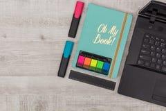 Установленный офис: дневник, тетрадь и отметки Стоковая Фотография