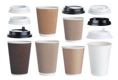 Устранимая бумажная кофейная чашка изолированная на белой предпосылке Коллекция Стоковые Фотографии RF