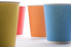 Устранимые красочные чашки Стоковые Фото