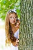 Устрашенный подростковый смотреть прищурясь от Стоковая Фотография RF