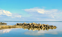 Уступ утеса на море Стоковая Фотография RF