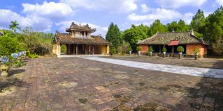 Усыпальница короля Thieu Tri в оттенке стоковая фотография rf