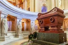 Усыпальница Наполеон Бонапарт Собор Invalides Сент-Луис стоковое фото