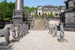 усыпальница khai императора dinh стоковые изображения
