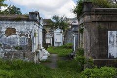Усыпальницы на кладбище Лафайета никаком 1 в городе Нового Орлеана, Луизиана Стоковые Фото