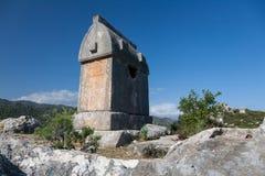 Усыпальницы Lycian в Kalekoy Simena, Турции Стоковое Изображение RF