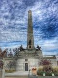 Усыпальница Линкольна под облаками Стоковые Изображения RF