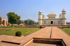 Усыпальница Itimad-ud-Daulah в Агре, Уттар-Прадеш, Индии Стоковые Изображения RF