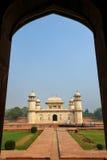 Усыпальница Itimad-ud-Daulah в Агре, Уттар-Прадеш, Индии стоковая фотография rf
