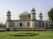 Усыпальница Itimad-ud-Daulah или младенца Taj в Агре, Индии Стоковая Фотография