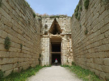 Усыпальница Tholos Clytemnestra на археологических раскопках Mycenae, Греции стоковая фотография rf