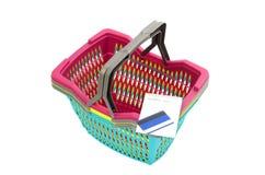 Условный расчетный набор представительных потребительских товаров, пустое lista покупок, кредитная карточка Стоковое Изображение