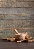 утвари кухни установленные деревянные Стоковая Фотография
