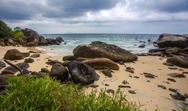 утесистое пляжа красивейшее Стоковое Фото