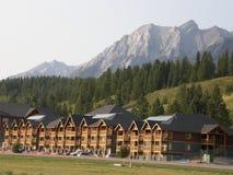 Утесистые горы в Alberta, Канаде стоковая фотография rf