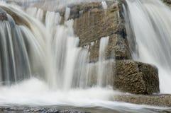 утесистый водопад Стоковые Изображения