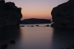 утесистый восход солнца моря Стоковое фото RF