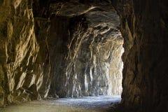 Утесистый тоннель Стоковые Изображения