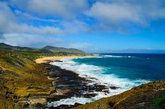Утесистый южный берег Оаху Стоковое фото RF
