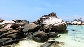Утесы Брайна на пляже Стоковые Изображения RF
