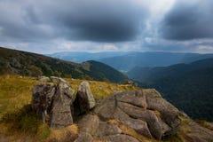 Утесы в высотах гор Вогезы Стоковые Фото