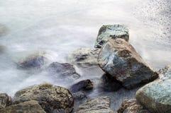 Утесы в море Стоковая Фотография RF