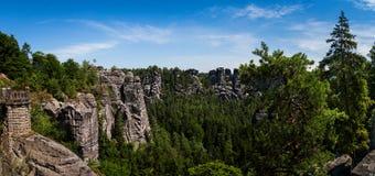 Утесы в национальном парке Швейцарии Saxon Германия Стоковые Фотографии RF