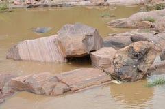Утесы в реке Стоковые Фотографии RF