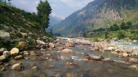 Утесы в реке Стоковое фото RF
