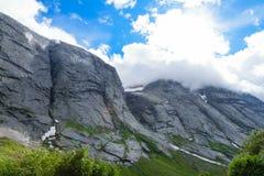 Утесы в тени облаков Стоковые Фото