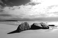 утесы графика пляжа Стоковые Изображения RF