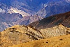 Утесы и камни, Moonland, горы, ландшафт Leh ladakh, Jammu Кашмир, Индия Стоковые Изображения RF