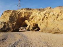 Утесы и песок Франция стоковое фото