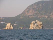 Утесы Крыма в море стоковое фото rf