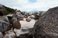 Утесы на береге моря Стоковое фото RF