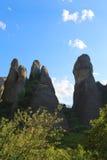 Утесы на которых монастыри Meteora стоковые фотографии rf