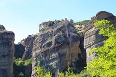 Утесы на которых монастыри Meteora стоковое изображение