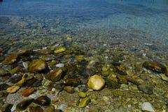Утесы на пляже Стоковое Фото