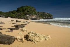 Утесы на Pulang Sawai приставают к берегу, Wonosari, Ява, Индонезия Стоковая Фотография RF