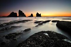 Утесы Motukikie, западное побережье Новая Зеландия Стоковые Фото