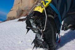 утес альпиниста ботинка Стоковое фото RF