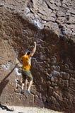 утес альпиниста падая Стоковые Фото