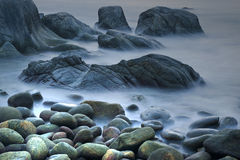 Утес & волны стоковое фото rf