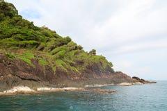 Утес в море Таиланде Стоковые Фото