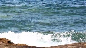 Утес в море сток-видео