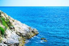 Утес в море Стоковые Фотографии RF