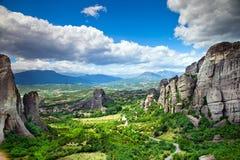 Утес в Meteora, Греции стоковое изображение rf