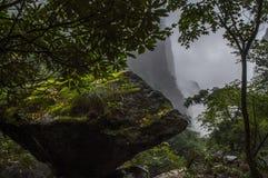 Утес горы стоковое изображение rf
