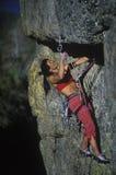утес женщины альпиниста Стоковое Изображение